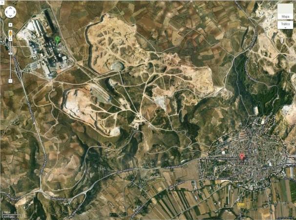2,8 kilómetros separan a Morata de Tajuña (A) de la cementera (B). Foto: Google Maps