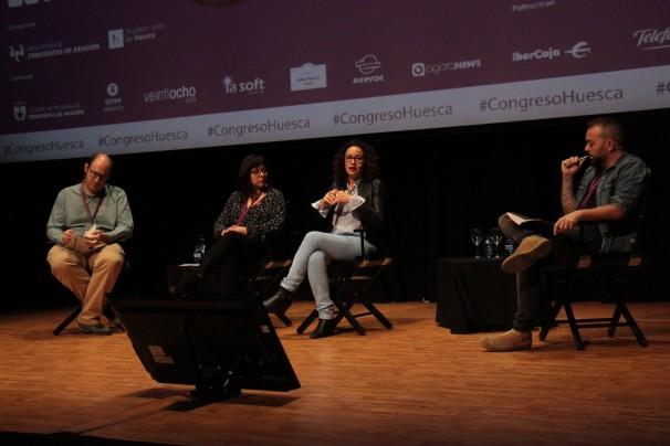(De izq. a dcha.) Eileen Truax, Maria Carolina Trevisan y Antonio Maestre fueron moderados por Carlos Hernández-Echevarría. Foto: Cristina de Quiroga