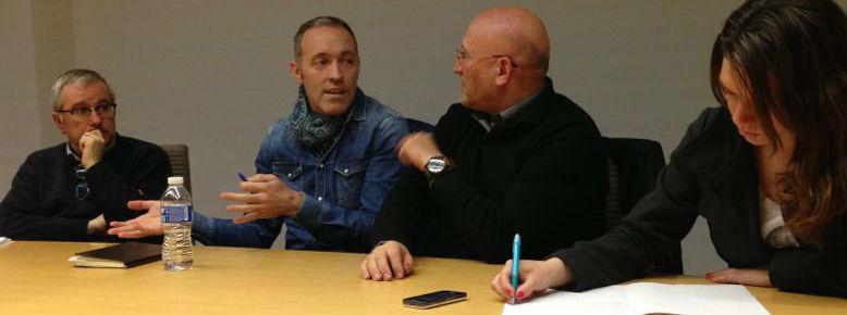 De izda a drcha: Alfonso Armada (periodista), Miguel del Arco (productor y actor) y Juan Ignacio García (crítico de teatro). Foto: E.jorreto