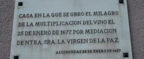 Placa que indica el lugar donde ocurró el milagro. Foto: Loreto Sánchez Seoane