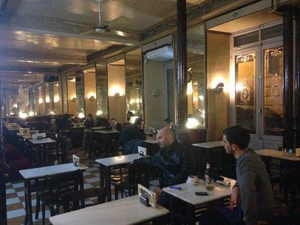 Salón principal del Nuevo Café Barbieri    Foto: J. G. S