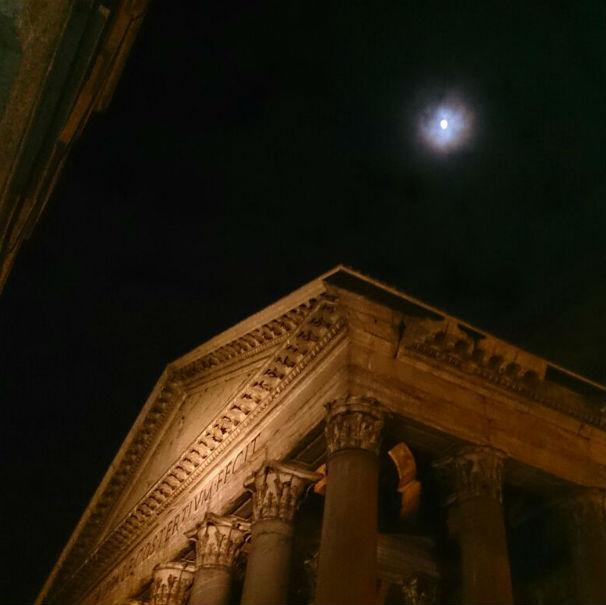 panteon noche