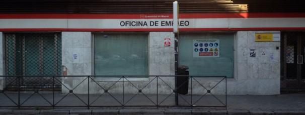La Oficina de Empleo de Villaverde, cerrada por las obras. Foto: G.G