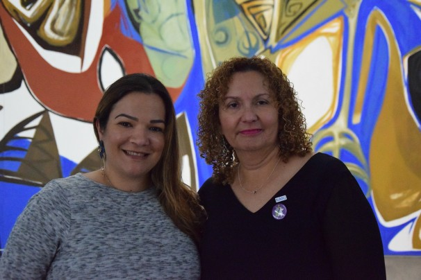 Selymar Colón, de Univisión, y Nancy San Martin, de Nuevo Herald, en el Palacio de Congresos de Huesca. Foto: María Lozano