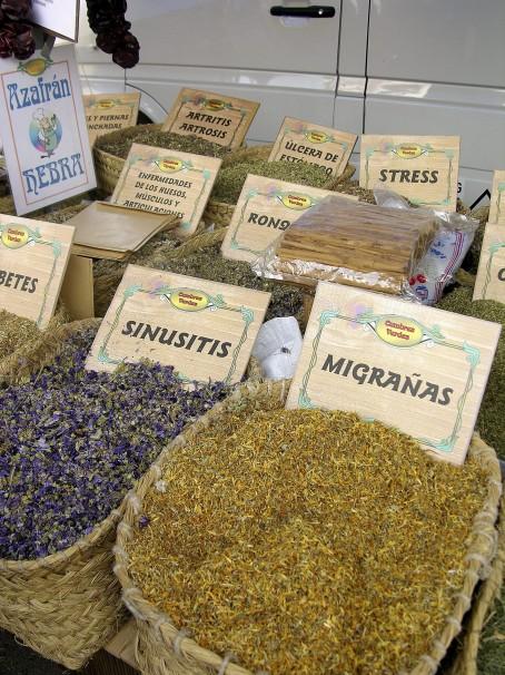 Está prohibida la atribución de propiedades terapéuticas a las plantas medicinales. Foto: ABC