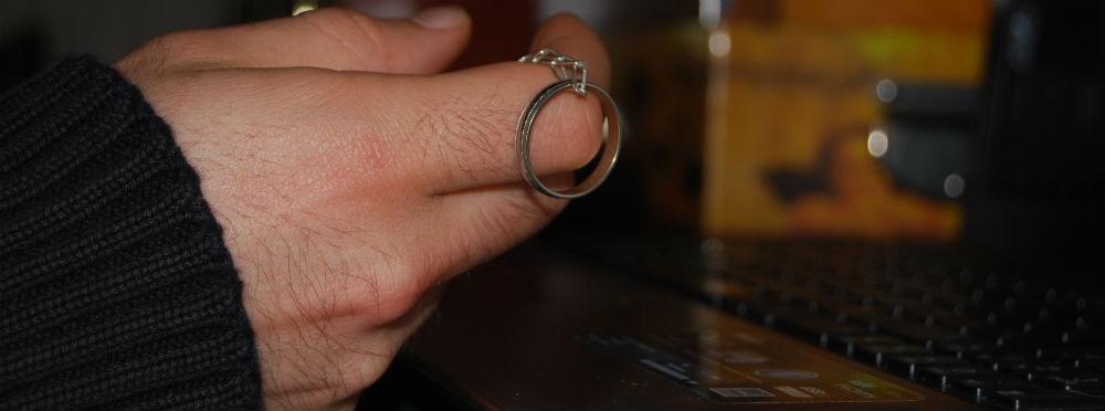 El anillo que Carmen le regaló a Guillermo