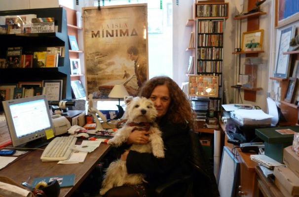 María Silveyro con su perro Lucas. Foto: L.M.C