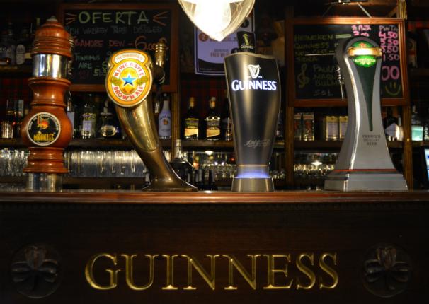 pubs 087
