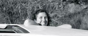 Sarah Balet espera al tiempo africano en un matatú (minibús keniano). Foto: Facebook Sarah