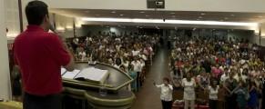 El pastor Walber Barboza en una de las reuniones de Familia Unida. Fotos falicilitdas por Walber Barboza